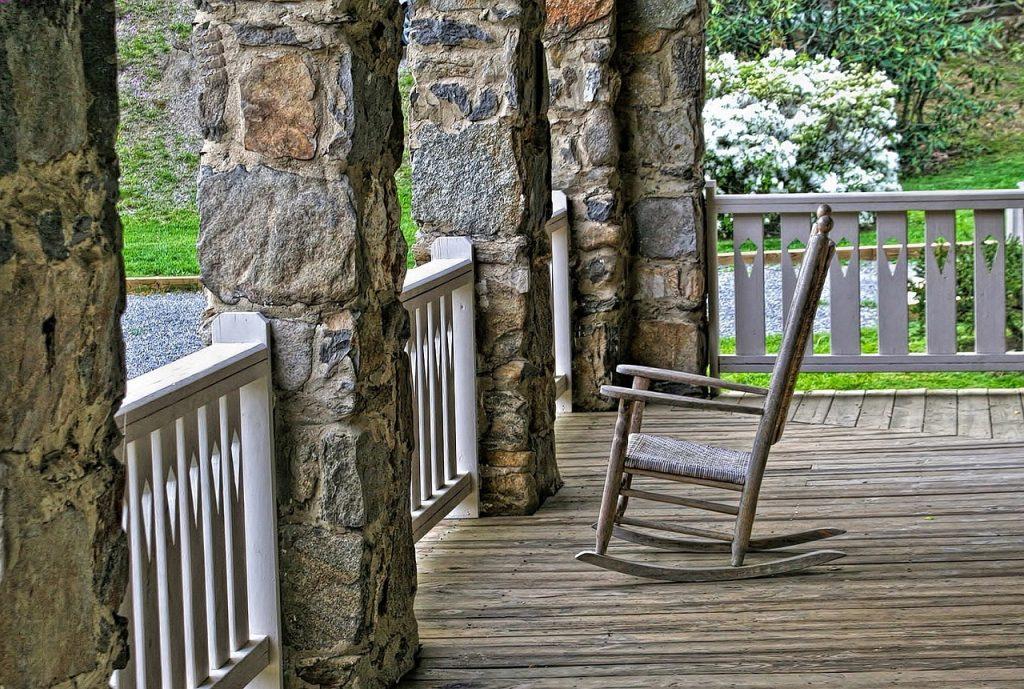 Mecedora de enea clásica silla sillón butaca mecedora de madera de lactancia de bebé blanca antigua moderna de jardín barata económica de segunda mano, eames, mejor oferta precio